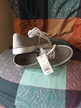 Grey Target Shoes sz 8 in Orland Park, Illinois
