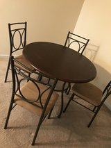 Dining Set, barely used in Fort Lewis, Washington