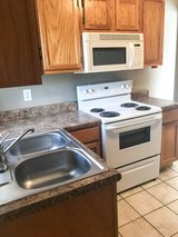 1 Bed 1 Bath Walking Distance to APSU!! in Fort Campbell, Kentucky