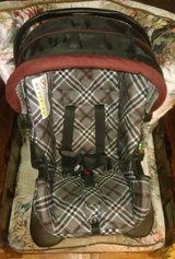 Infant Car Seat- like new in Cleveland, Texas