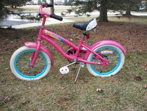 "Girl's Diamondback Bicycle with Training Wheels - Pink - 22"" Tall in Joliet, Illinois"