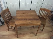 Antique White Oak table & chairs in Joliet, Illinois