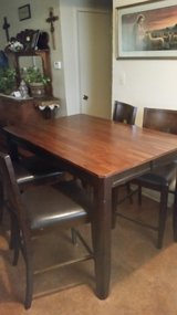 Counter height table in Lawton, Oklahoma
