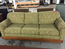 green rose couch in Camp Lejeune, North Carolina