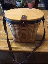 Longaberger Medium St Purse 2001 in Fort Campbell, Kentucky