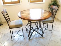 Hopstand Kitchen Table Set in Hohenfels, Germany