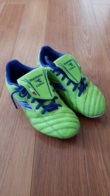 Kids Size 2 Soccer Cleats in Bolingbrook, Illinois