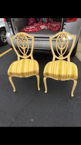 2 antique chairs in very good condition in Clarksville, Tennessee