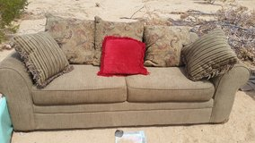 Couch good condition in Yucca Valley, California