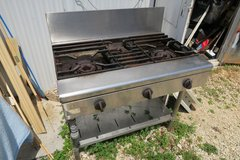 3 burners comercial stove working condition (phone only ) in Okinawa, Japan