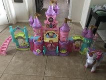V-Tech Princess Castle, Unicorn & accessories in Kingwood, Texas
