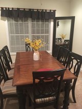 Dining Room Table and 8 Chairs in Fort Knox, Kentucky