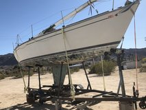 Sail boat 30' with trailer in 29 Palms, California