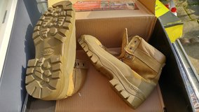 .New Belleville  10.0R Combat Boots in Fort Campbell, Kentucky