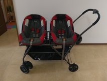Twin Car Seats with Stroller in Okinawa, Japan