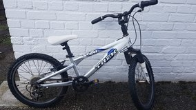 Trek Mountaintrack MT60 (Boys/White) in Ramstein, Germany