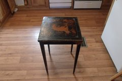 Vintage Leather Top Table in Alamogordo, New Mexico