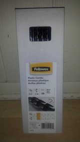 New in Box!  Fellowes Plastic Combs in Naperville, Illinois