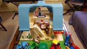 Little Tikes Doll House Vintage 1990 - plus Over 30 Accessories in Naperville, Illinois