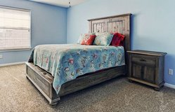 Queen Bed Set in Cleveland, Texas