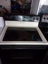 Whirlpool Electric Glass Top Stove in Fort Riley, Kansas