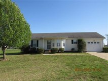 Beautiful home for sale in Oakgrove. Close to post. in Fort Campbell, Kentucky