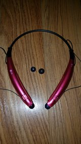 LG PINK Bluetooth Headset HBS 770 in Bolingbrook, Illinois
