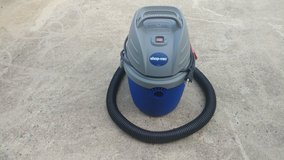 2.5 Gallon Shop Vac with Wall Mount in Perry, Georgia