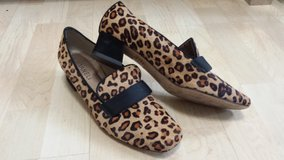 Like new!  Womens Shoes - Van Eli Leopard Print Shoes - Size 8 in Lockport, Illinois