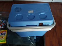 CAR PICNIC CAMPING PORTABLE TRAVEL WARMER & COOLER BOX  FRIDGE in Lakenheath, UK