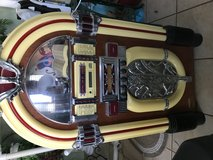 Jukebox Antique style in Perry, Georgia