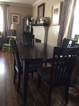 dining table with 4 chairs in Fairfield, California