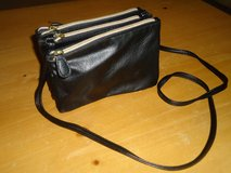 3 pocket purse from kohl's in Plainfield, Illinois