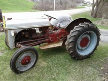 AntiqueTractor Ford 9n Barn find in Tinley Park, Illinois