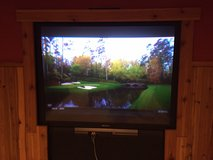 Sony rear projection TV 52 inch in Naperville, Illinois