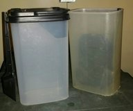 2 containers w lid & 2 tbsp  scoop in Fort Bliss, Texas