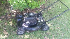 22in Murray push mower in Cleveland, Texas