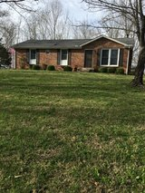 Basement Ranch minutes from Gate 10 on 12.6 acres in Fort Campbell, Kentucky