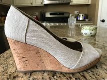 TOMS Wedges in Yorkville, Illinois