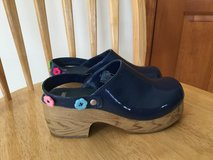 Girls clogs size 3 in Bolingbrook, Illinois
