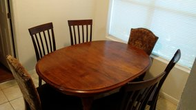 Table with 6 chairs in The Woodlands, Texas