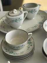 Royal Chatham Fine China 44 Pieces in Fort Campbell, Kentucky