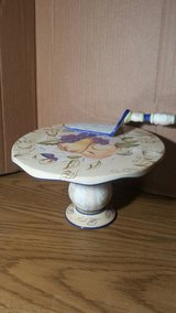 cake stand and server in St. Charles, Illinois