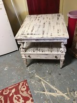 End table 27x23 in Cleveland, Texas