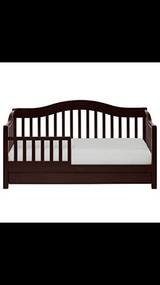 solid wood toddler bed in Fort Hood, Texas