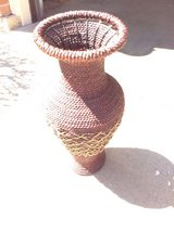 Wicker Foolr VASE in Algonquin, Illinois