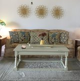 Couch/loveseat/throw pillows/coffee table and wall art ~all 4 one LOW price~ in Alamogordo, New Mexico