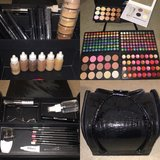 Makeup Artist Kit in Okinawa, Japan