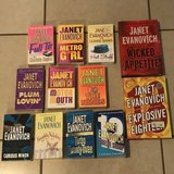 Lot of 20 Janet Evanovich Books EUC in Travis AFB, California