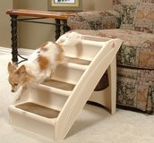 Solvit PupSTEP Plus Pet Stairs in Lockport, Illinois